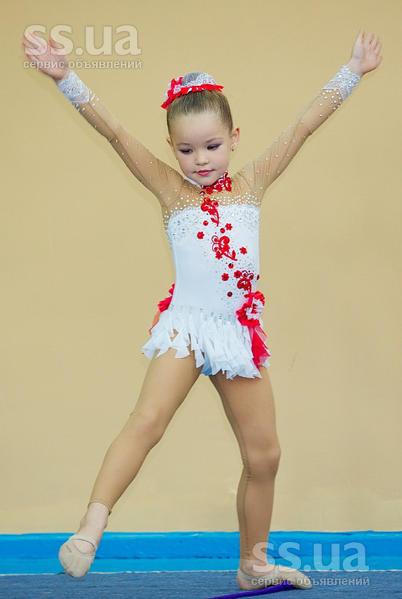 Гимнастические купальники для девочек художественная гимнастика