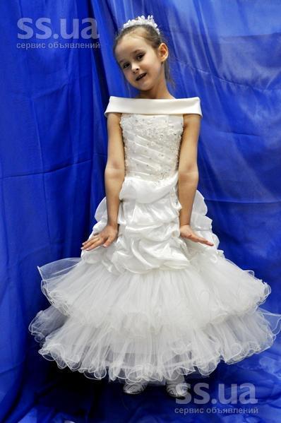 SS.ua  Распродажа детских нарядных платьев с проката f3b67cd841b09